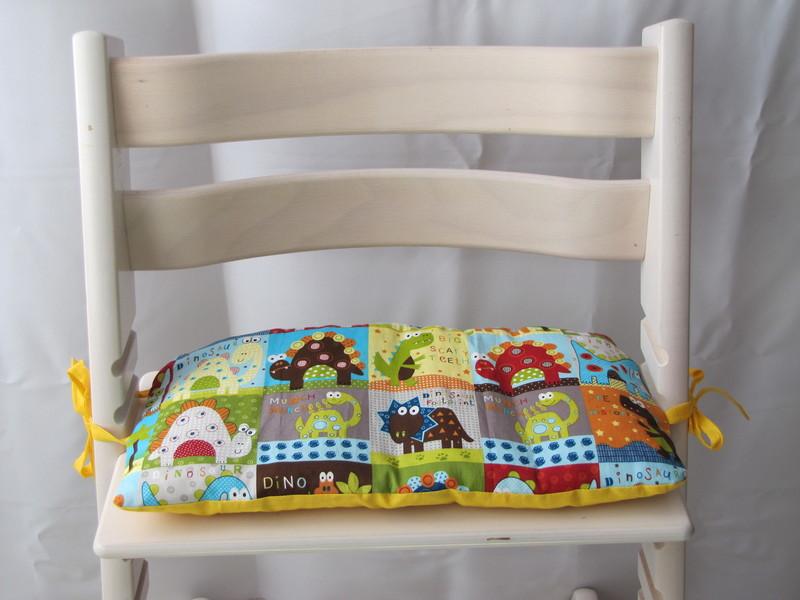 1 tlg wendesitzkissen dinos gelb bunt. Black Bedroom Furniture Sets. Home Design Ideas